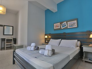 Kini Bay Double Room with Veranda & Sea view No3