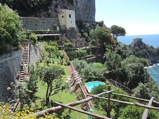 Private Pool, Splendid View Colorful Amalfi - Conca Beach Villa