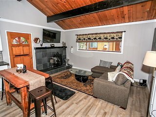 ~Sugar Chic Cottage~Newly Furnished Couples Retreat~Minutes To All Activities~