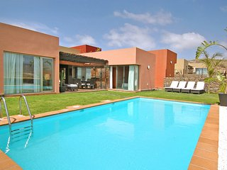 2 bedroom Villa with Pool, Air Con and WiFi - 5637009