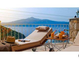 Kalkan Villa Sleeps 8 with Pool and Air Con - 5636921