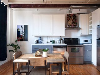 Industrial 1BR in Mile End