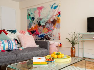 Colourful One-bedroom in Brookline MA