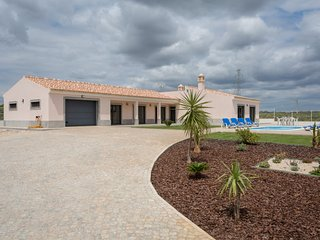 3 bedroom Villa in Aivados e Fontes, Faro, Portugal : ref 5637114
