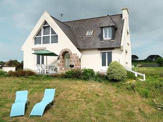 3 bedroom Villa in Kermaquer, Brittany, France : ref 5636196