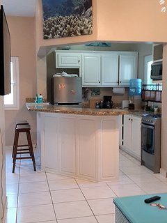 Fully equipped custom kitchen with dish & cookware, stainless steel appliances,  FREE drinking water