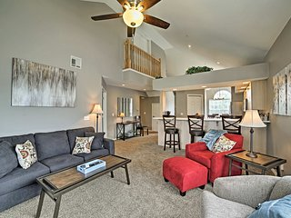 NEW! Penthouse Condo -Mins to Branson Attractions!