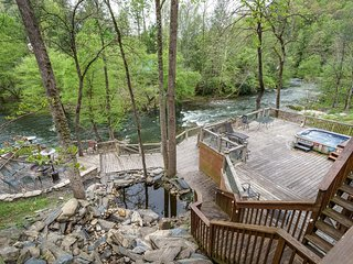 River Adventure Lodge