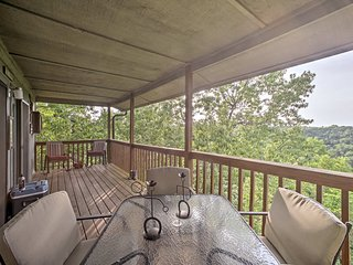 NEW! West Branson Condo w/Deck Near Silver Dollar!