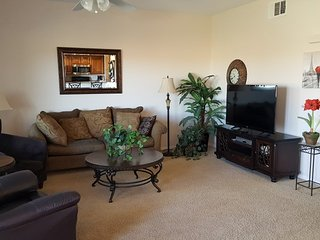 Deluxe Condo Near Wolf Creek Golf Club - Pets Allowed!