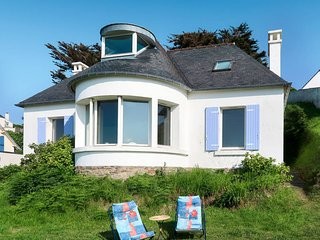 3 bedroom Villa in Kermaquer, Brittany, France : ref 5636956