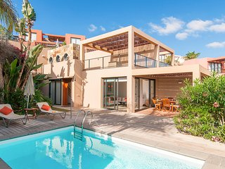 2 bedroom Villa with Pool and Air Con - 5636565