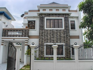 Ailesbury Holiday Home-Iloilo