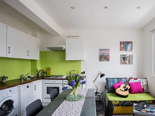 Stunning 2 bedroom Apartment in London  (FC7181)