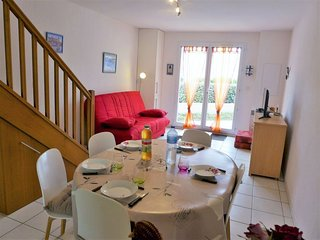 2 bedroom Villa in Saint-Pierre-sur-Mer, Occitanie, France - 5050472