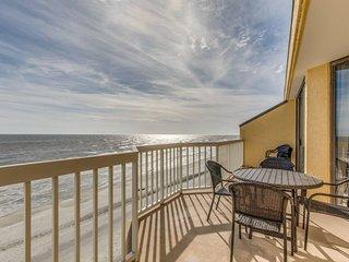 Chas. Oceanfront Villas 414 - King Neptune