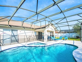 Cozy Family Vacation Home - Private South Facing Pool - WiFi