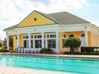 Delightful Family Villa with South Facing Pool & Spa - Games Room - Gated Resort