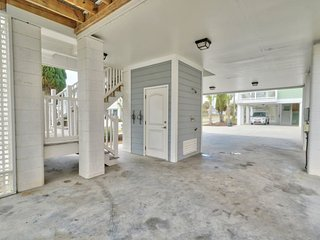 2619 South Beach Cottages