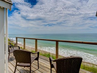 Oceanfront home w/ deck, amazing sunset views & direct beach access - dogs OK!
