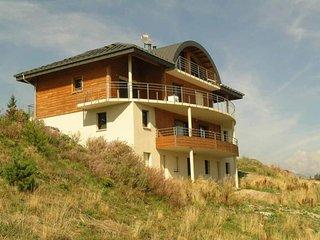10 pers. 100 m2  etage Sud