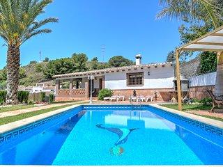 Villa Damian, Villa rústica con Piscina y 2 Parkings