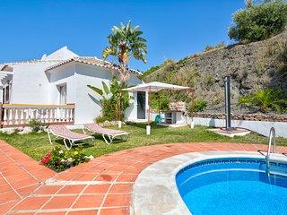 Villa costera con piscina y vistas! Ref. 218472