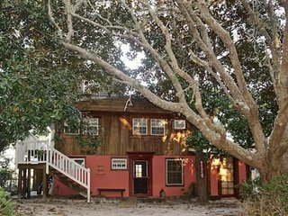 Magnolia Tree House