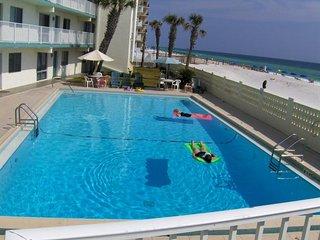 Aqua Villa 105