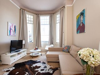 3bed 2bath South Kensington apartment