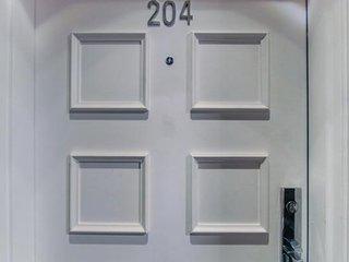 Hamilton Villas #204