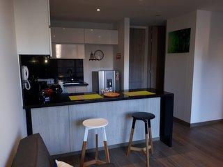 Apartamento.Nuevo, cómodo y buen ubicado.
