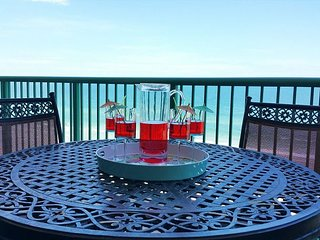 Newly Renovated Direct Oceanfront Condo #702