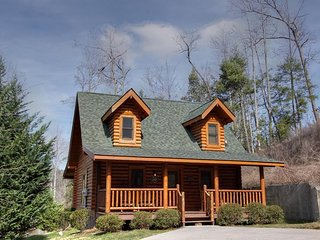 Kiss Me Goodnight Sevierville Cabin