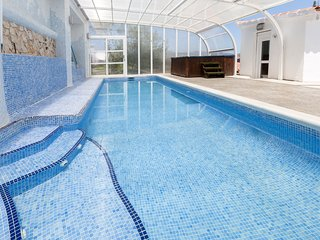 LLUMICEL - Villa for 10 people in ADOR