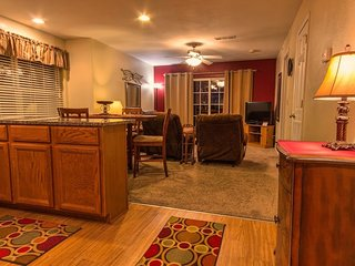 Pool | Hot Tub | Free WiFi | 2.2 miles from Silver Dollar City #797069