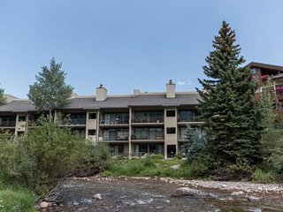 Location, Location, Location. 3-Bed 3 1/2-Bath on Gore Creek, Fantastic Vail