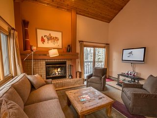 Townsend Place Penthouse Ski-In/Ski-Out