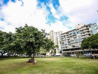 Waikiki Grand Condominium 905