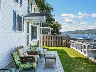 Edgewater Escape Cottage 4 Bedrooms