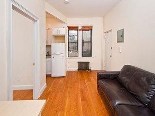 Updated 1 Bedroom Upper East Side