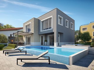 Beachfront Villa Grey Martini with Pool