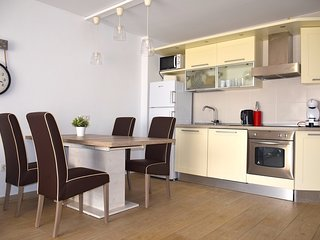 Two Bedroom Apartment Close to Beach