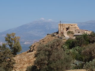 Top of the Hill Cretan Home in South Herakleion