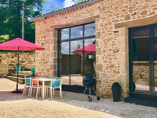 Al-fresco dining outside La Grange