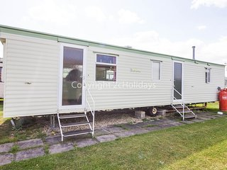 8 Berth. Near to amenities. Pets welcome. Sunnydale Holiday Park. REF 35156