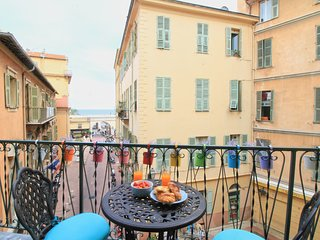 JULES – Charming balcony with lovely sea view