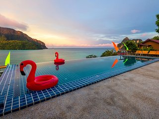 Beautiful Bamboo Bungalow with AC on Phi Phi!
