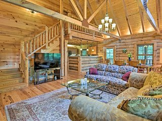 Superb Linville Mountain Cabin w/Wraparound Decks!