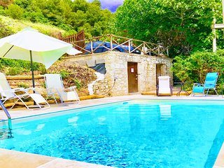 CERRO COTTAGE - WITH EXCLUSIVE POOL - 1 hr 15 mins/Rome, 20 mins/Spoleto